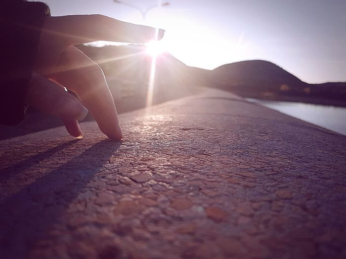 Dejame tocarte el alma y sabras lo que es ser amada~ Sunlight Photography Themes Water Lens Flare Sky Sun Sunrise Calm Scenics Optical Illusion Tranquil Scene Idyllic Outline Sunset