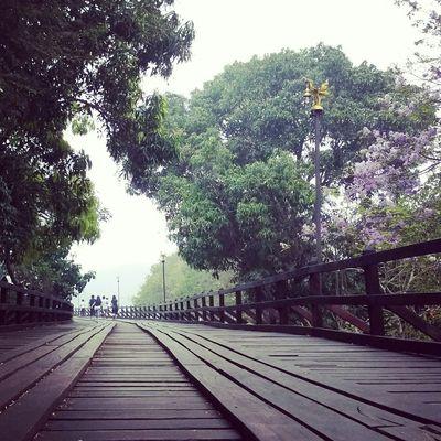 แค่ก้าวออก...ความรู้สึกก็เปลี่ยน *สะพานไม้อุตตมานุสรณ์*
