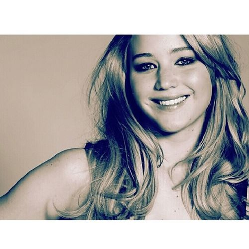 It's Girlcrushwednesday ! Today is the talented and awesome Jenniferlawrence