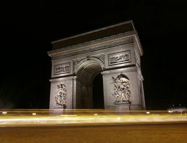 Arc de Triomphe en light painting France 🇫🇷 Paris ❤ Arc De Triomphe De L'Étoile Light Painting Illuminated Triumphal Arch Night History Monument City Outdoors Honor 8