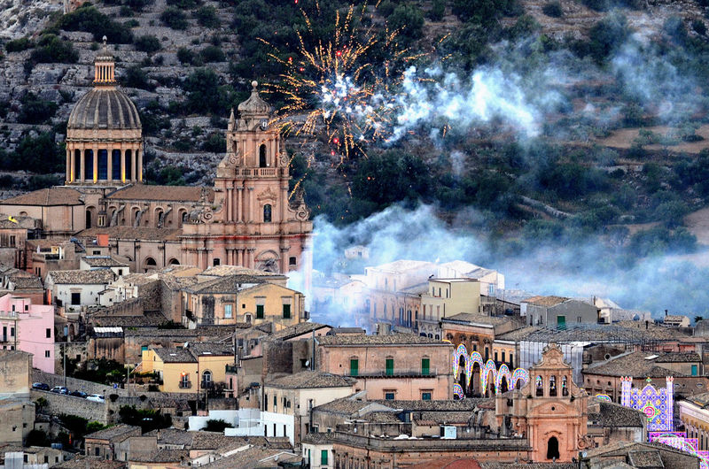 a Mascatteria.... Festa di San Giorgio Tree Cityscape City Dome Place Of Worship Spirituality Exploding Sky Cathedral Cupola Entertainment