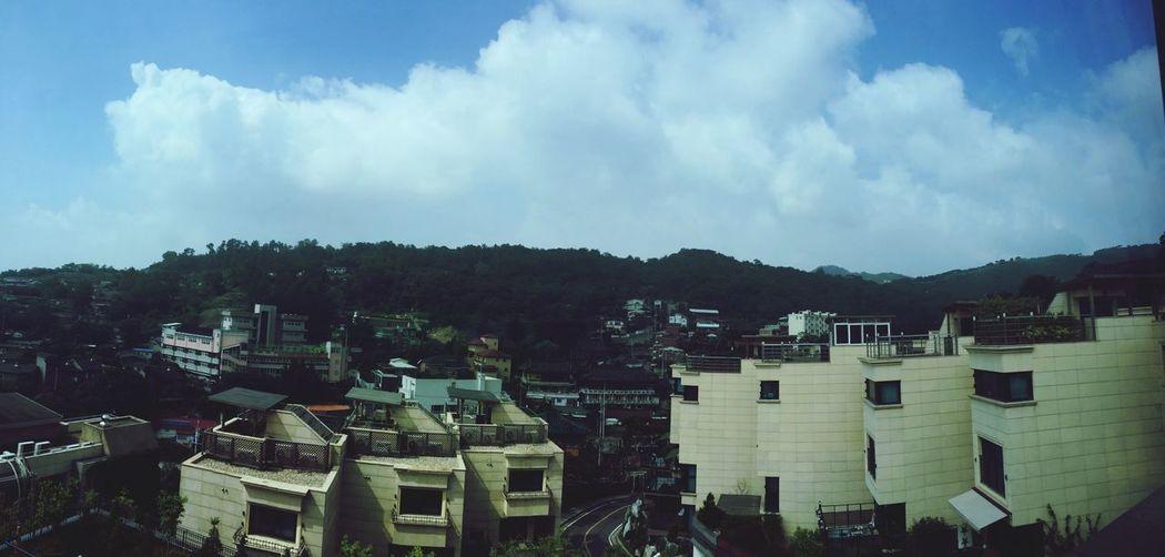 오늘은 어제랑 다르게 하늘이 얌전하구낭