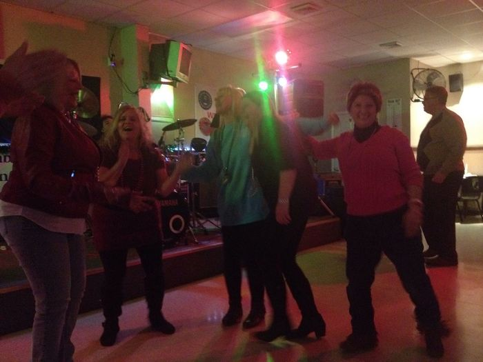 Night Out I Was Danceing Lol Having Fun With The Ladies  My Fantastic World Awesome Music
