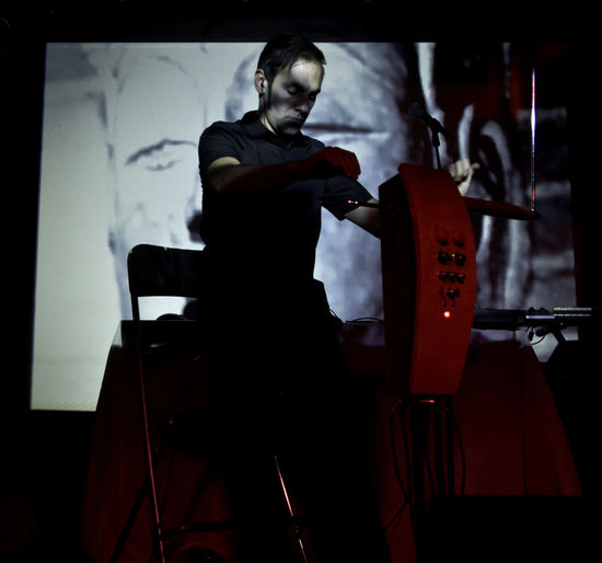 Darkness Javier Diez Ena Live Music Music Skill  Concert Musician Projection Shadows Silouette Theremin Virtuoso