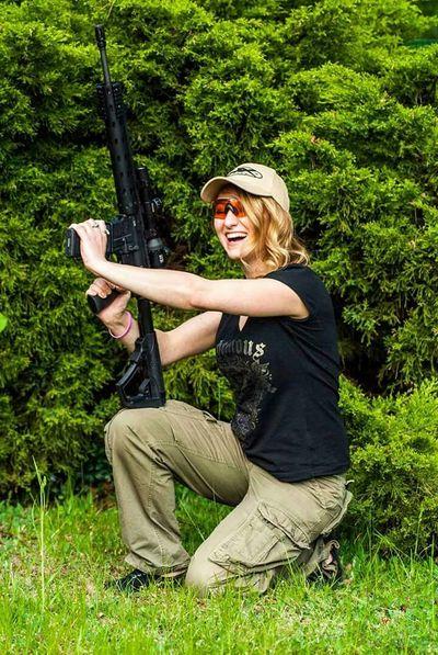DanielDefense Ar15 Shooting Relaxing Jaworzno WileyX Dajrota-hunts DajrotaShoots Sunday That's Me