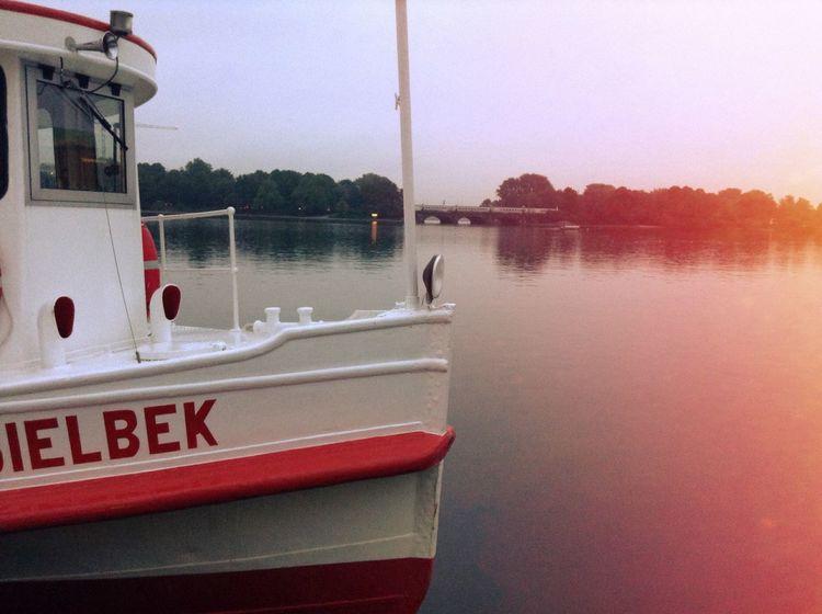 Good Morning Morningglow Silence Check This Out Alster Hamburg Ilovehamburg