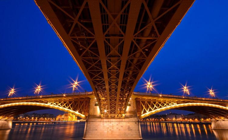 Margaret bridge Night Architecture Travel River Hungary🇭🇺 Budapest Margaret Island Margaret Bridge Bridge Nightshot Blue Hour The Week On EyeEm