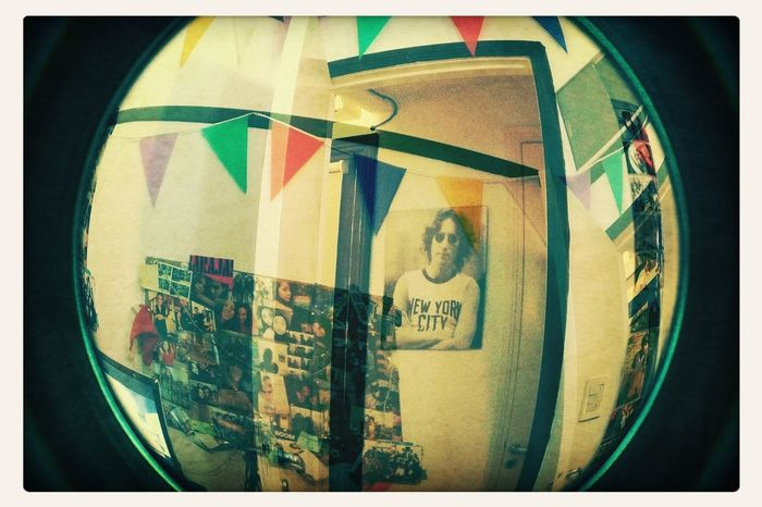 John Lennon Fisheye Bedroom Colours