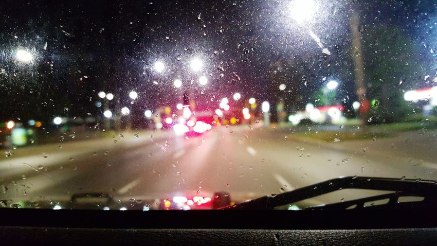 Jeep Urban Cities At Night Rainy Night Rain London Ontario Canada Ontario, Canada Lights Windshield Blurry