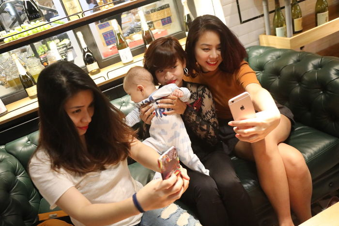 #family #FamilyTime Cheerful Child Communication Friendship Group Of People Lifestyles Mobile Conversations Mobile Phone Photo Messaging Photography Themes Portable Information Device Selfie Smart Phone Smiling Technology Teenage Girls Teenager Telephone Text Messaging Togetherness Wireless Technology Young Adult Youth Culture