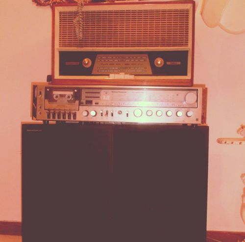 TakeoverMusic Old-fashioned Retro Styled Old Music Analog Obsolete Antique Indoors  Close-up Day Nostalgia Old Radio Old Radio Wooden 1940s 40s First Radio Wooden Radio Old Audio Old Music OLD Song Old Songs Old Music Box Old Musical Instrument First Musical Instrument