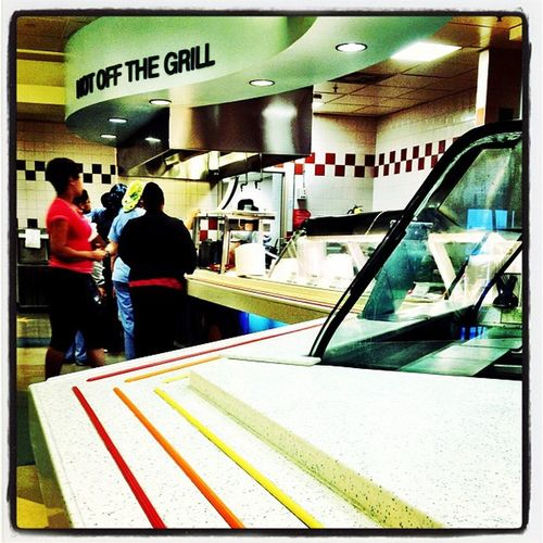 Follow the lines to the grill at Children's National Medical Center. Breakfast IPhoneography Food Hospital WashingtonDC Jomo Cnmc Takenwithaniphone Drbear