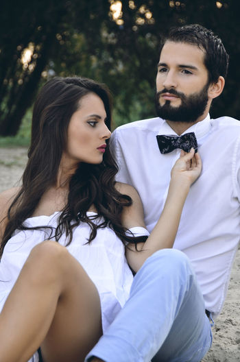 Beautiful Day Beautiful People Couple Couplephotography Love Beautiful Woman Bow Tie Couple - Relationship Couple In Love Couplephoto Couples Shoot Day Fashion Fashion&love&beauty Lifestyles Outdoors Portrait Real People Sitting Togetherness Two People Well-dressed Young Adult Young Men Young Women