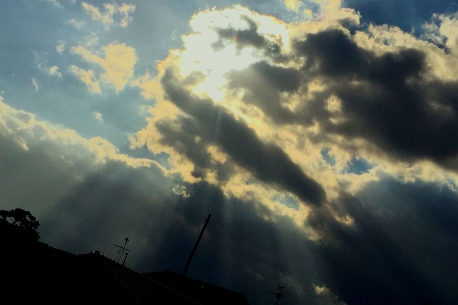 天使のハシゴ。。お願い連れてって(๑˘̴͈́꒵˘̴͈̀)۶ˮ IPhoneography Iphone6plus 天使の梯子