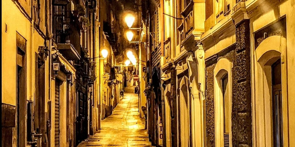Cagliari, Sardinia Streamzoofamily ınstagram HUAWEI Photo Award: After Dark Cagliari Urban City Cagliari By Night Illuminated City Architecture Built Structure Narrow Building Residential Structure Walkway Wall Lamp Passageway Exterior Historic Office Building Residential District Long Passage Lane Woods Alley Pathway Gas Light