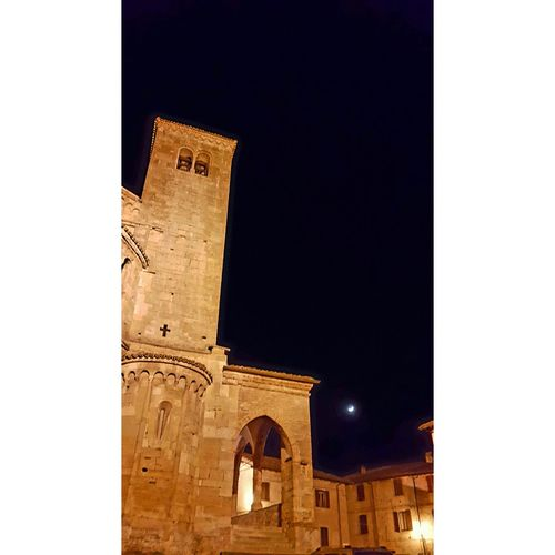 Castell'arquato Home Love History Architecture Medieval No People Sky Midnight Italianstyle Moonlight Luna Cielo D'inverno