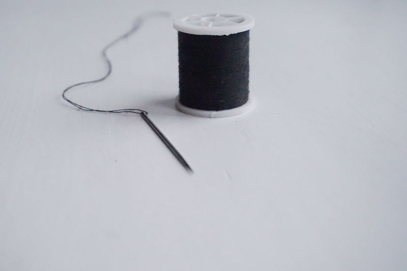 sewing kit Indoors  No People White Black Spools Of Thread Thread Spool Thread Homemade DIY Handmade Sew Needles Diy Project Sewing Needle Sewing Stuff Creativity Spool Close Up Threads Sewing White Background Close-up