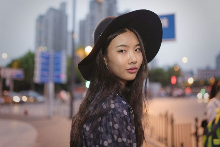 BABYGHOST Streetphotography Color Portrait Taking Photos Getting Inspired 35mm Shanghai Hello World Nikon Portrait