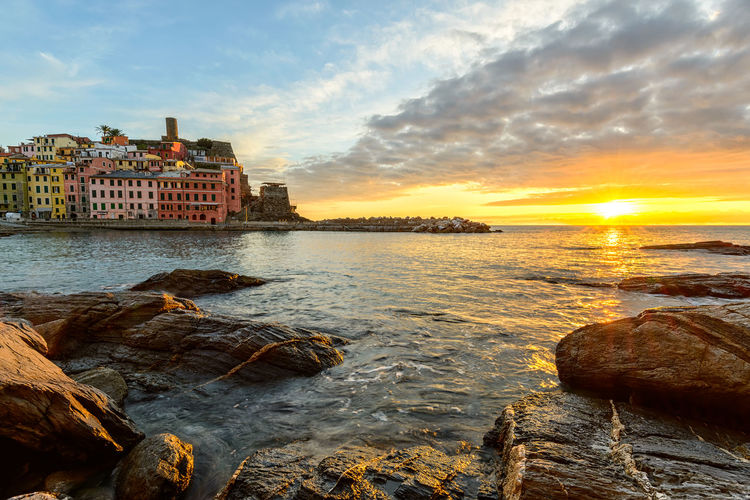 Sunset in Vernazza Cityscape HDR Hdr_Collection Sunset_collection Architecture Beauty In Nature Building Exterior Built Structure Cloud - Sky Day Europe Horizon Over Water Italy Nature No People Outdoors Rock - Object Scenics Sea Sky Sunset Travel Destinations Vernazza Water