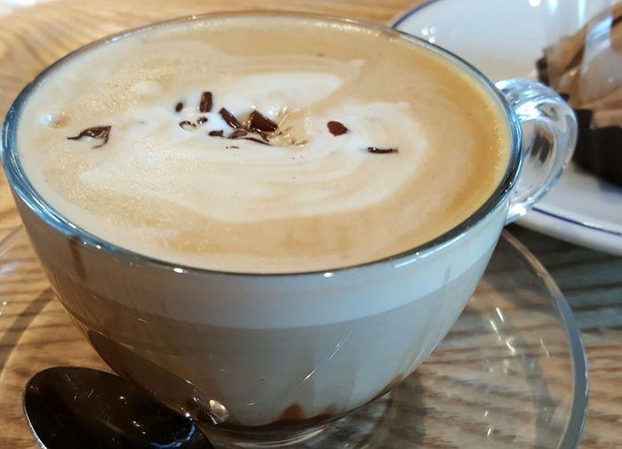 マロッキー Cafe Chocolate Coffee - Drink Indoors  Hello World Enjoying Life Lucky Taking Photos Happy Close-up Chocolate♡