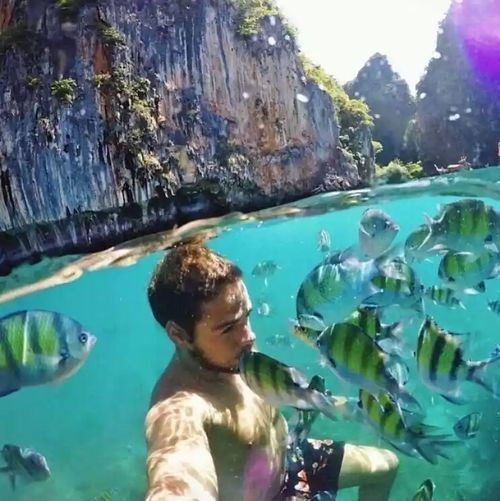Selfie ✌ with fishes.. Cute♡ Love Them ❤ Relaxed