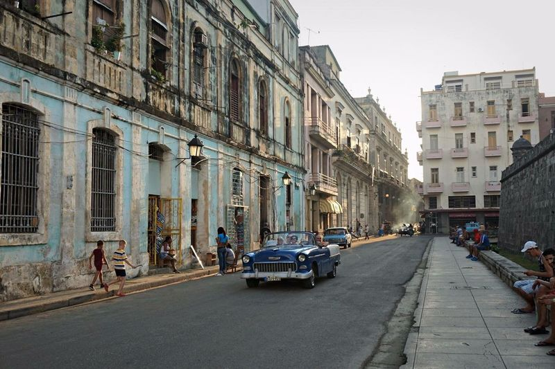 Cuba Havana Street Dust Architecture Old Oldtimer Dailylife Evening Light Blue Car Children People