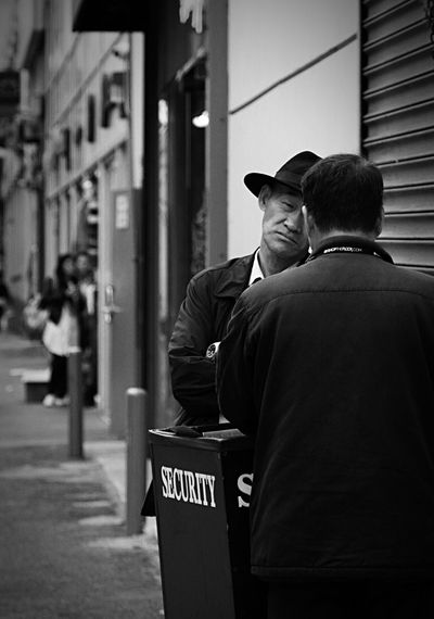#security #streetphoto #blackandwhite #blackandwhitephotography #seriously #dtla #fashiondistrict #instagood #streetstyle #city #streetlife #streetphoto_bw #urban #alley #portrait