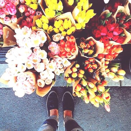 Bütün kadınlar çiçek gibidir.... Happy Women's Day