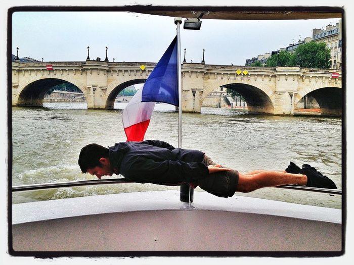 River & Planking  #travel #family #París #Sena #planking