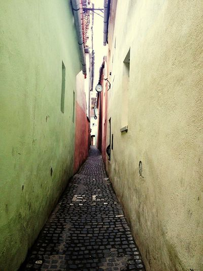 Street The Way Forward Narrow Architecture Outdoors Day Finding New Frontiers No People Brasov Romania