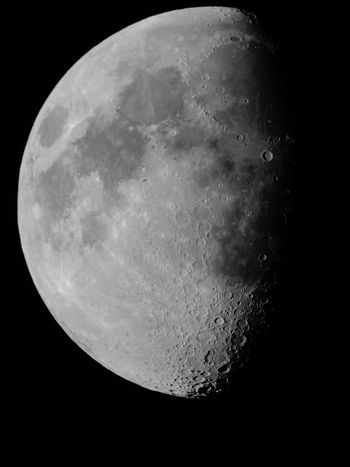 Moon Night Astronomy Scenics Mystery Majestic Beauty In Nature Tranquil Scene Dark Close-up Low Angle View Sky Moon Surface Planetary Moon Exploration Clear Sky Space Exploration Telescope CALI COLOMBIA Discovery photo by me EyeEmNewHere