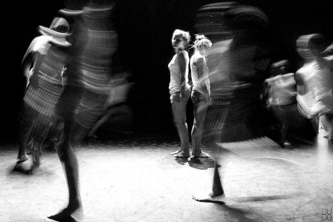 Capturing Movement Slowshutter Noiretblanc Black And White Bnw_captures Bnw_life Bnw EyeEm Bnw