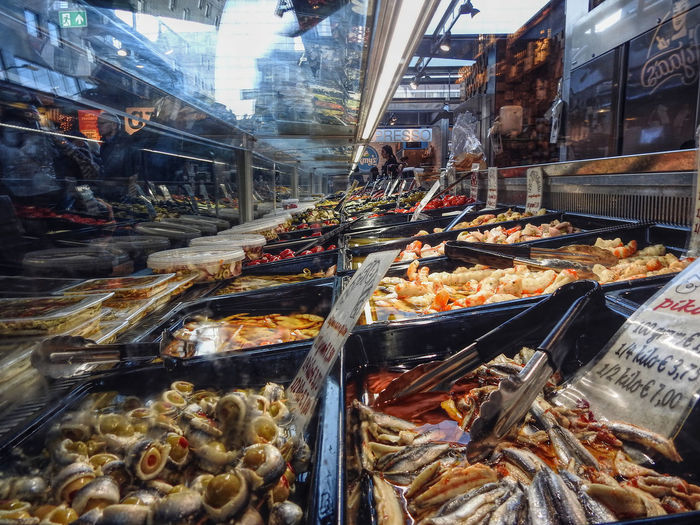 Fish market in Rotterdam Affinity Photo Assortment Choice Close Up Close-up Fish Fish Market Fish Shop Fishmonger Food For Sale Illuminated Indoors  Market Market Stall Markthal Markthalrotterdam Refelctions Retail  Rotterdam SHELLFISH  Show Case Variation