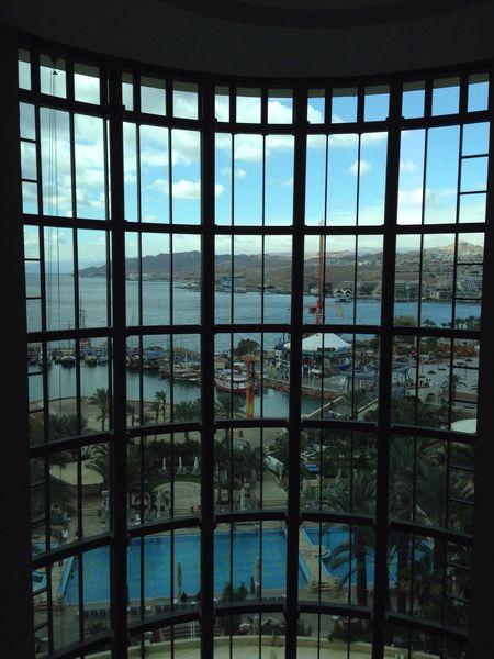 הנוף מהמעלית