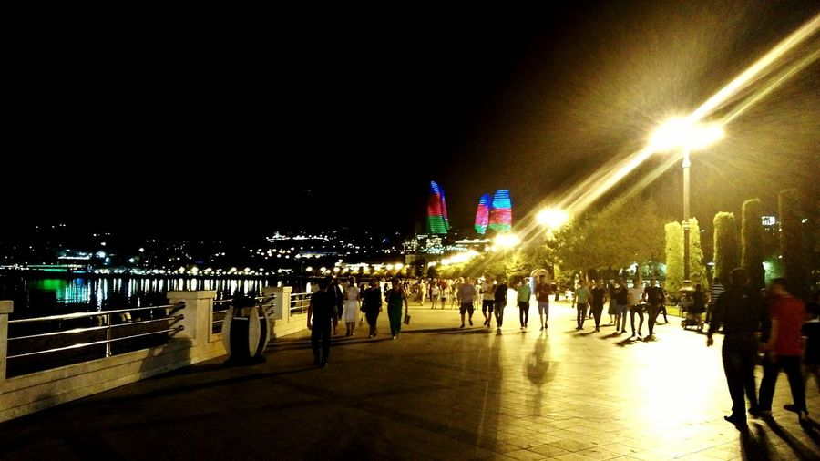 Baku Baki Azerbaijan Azerbaycan Azeri Azerbaijan Flag пейзаж азербайджан ночной город ночные огни страна огня Баку бульвар Люди People Relax Night City прогулка