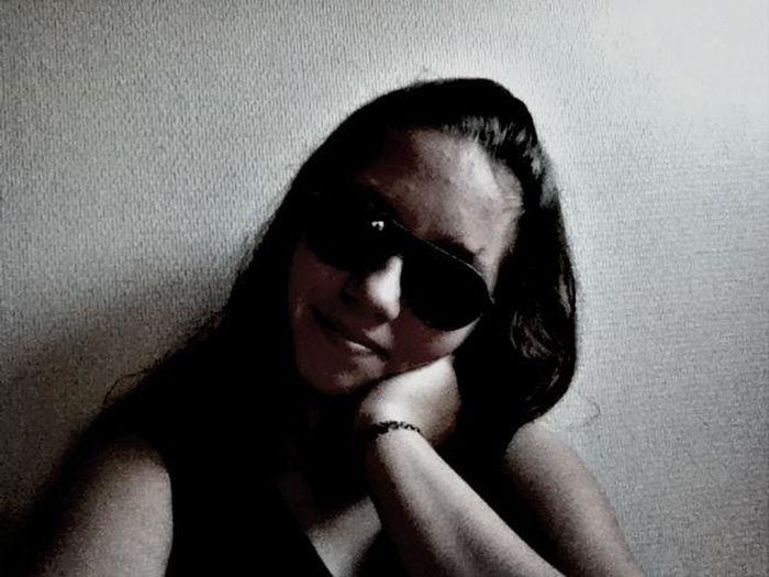 C'est une photo ratée mais au moins j'ai l'air heureuse dessus ;) That's Me
