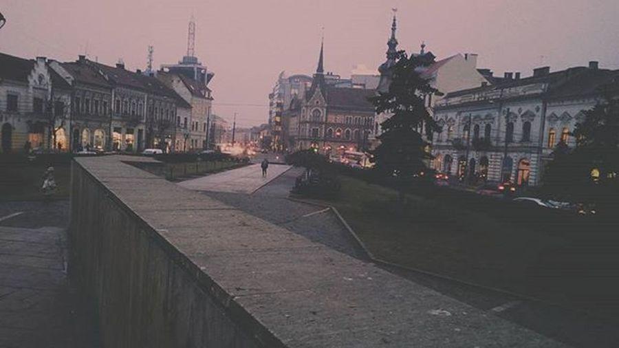 L'Heure Bleue Lheurebleue Bluehour Citylandscape Urban Mihaiviteazulsquare Viataincluj Clujnapoca Lines Vscocam Princluj Ilovecluj Cityenthusiast Acitymadebypeople Clujnapoca_city