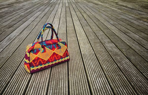 Looking for the best angle to shoot this beautiful bag of my wife... Bag Bags Leading Lines IPhoneography Leading Line Linemeetscorner