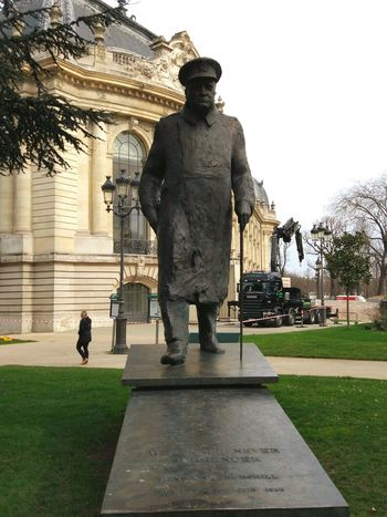 Statue Men Built Structure Adults Only Only Men One Man Only Adult One Person Outdoors Army Soldier Army Sculpture Warrior - Person People Day Architecture Military Uniform Military Paris Winston Churchill