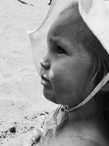 Sand scrub..! Live To Learn Portrait Photography Faces Of Summer Eyeem Best Shot Monochrome Ladyphotograferofthemonth Beauty Is Everywhere  Black & White Beach Photography Eye4photography