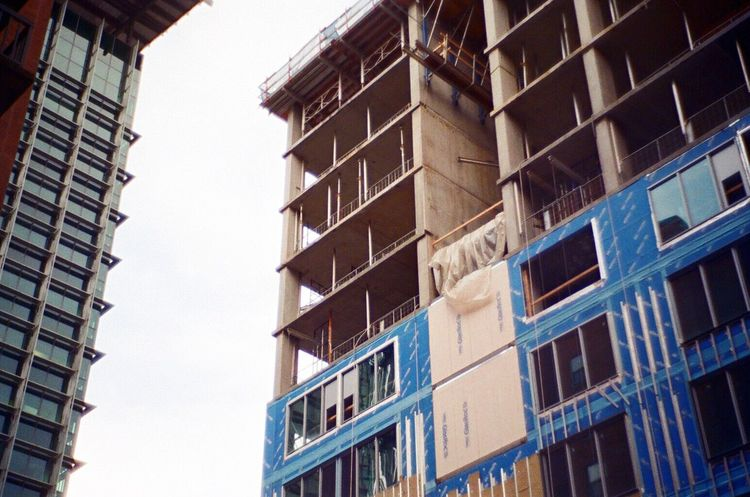 Construction Site Balcony Koduckgirl Leica M6 Jupiter Art Lens Building Exterior Architecture Built Structure Low Angle View Outdoors Residential Building Portland, OR Lomo F2 400 Leicacamera Architecture Film