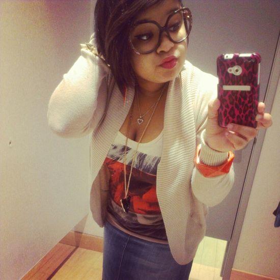 Shopping Chilling ;p Follow LoveMe