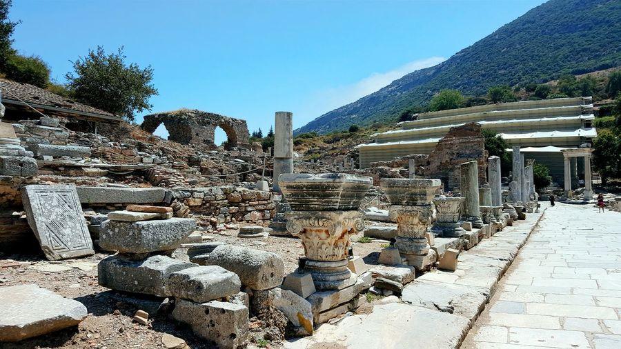 Efesus Efes Efesantikkent Tree Sunlight Mountain Sky Archaeology Amphitheater Ancient History Old Ruin Historic