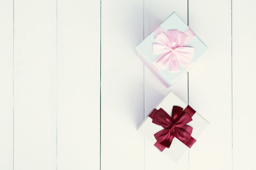 Bow Box Celebration Christmas Gift Holiday Red Surprise
