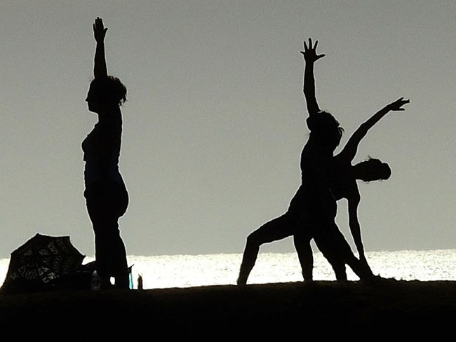 Yoga Yoga On The Beach Beach Silloutte Beach Yoga Black And White Photography Nature Ocean Beach Ocean Beach San Diego Ocean Beach, Ca Outdoors Sillouette Stretching Women Yoga Yoga Class