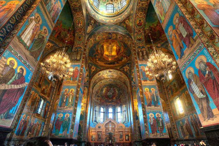 Church of the Savior on the Spilled Blood Gothic Style Saint Petersburg Orthodox Church Orthodox Russia God Icon Ceiling Lights Gothic Place Of Worship Multi Colored Backgrounds Spirituality Religion Window Pattern Ceiling Art And Craft Architecture Mosaic Architecture And Art Stained Glass Architectural Detail