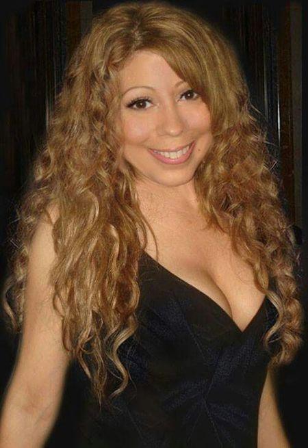 That's Me Taking Photos Mclookalike MariahCarey Impersonators LookAlikes Mariah Lookalike Talent Impersonator Curly Hair💜 Mariah Lookalike