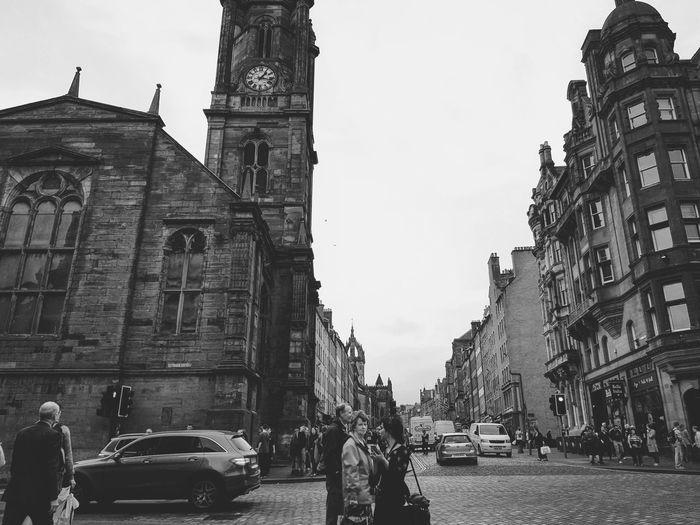Lost! Architecture Building Exterior Built Structure City City Street Travel Destinations History Outdoors People Street Travel EyeEmSelect Enjoy Life The Week On EyeEm Eyeemphotography Aroundtheworld Been There. Done That. Eyeemmarket WeekOnEyeEm Cultures Edinburgh, Scotland Scotland EyeEm Best Shots EyeEm Gallery