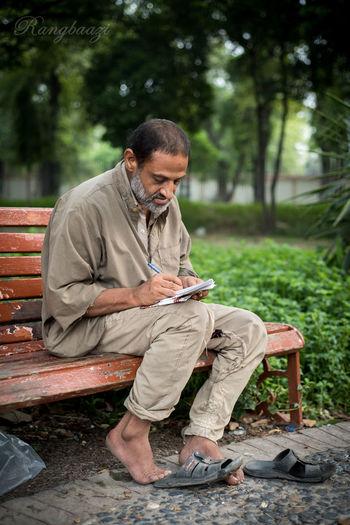 Bagh E Jinnah Lawrence Garden Lahore Pakistan Homeless Man