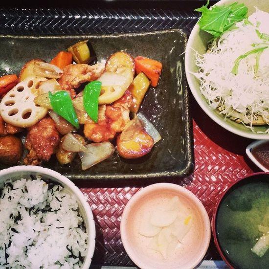 野菜と鶏肉の甘酢あんかけ。和食 ランチ 大戸屋 家族